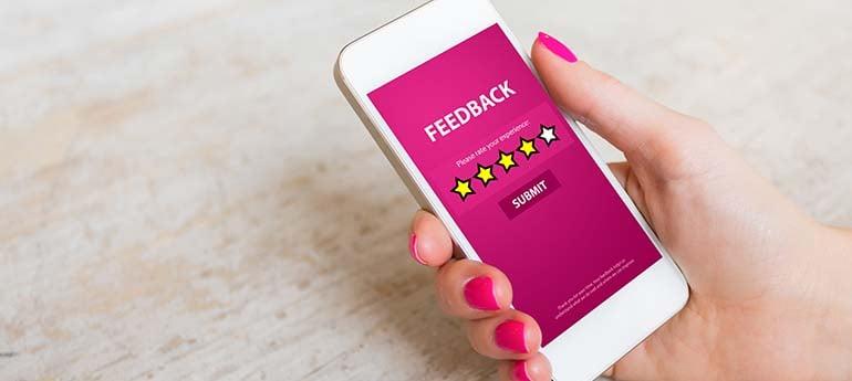 Der Chatbot nimmt auch gerne Kundenfeedback entgegen – und das jederzeit